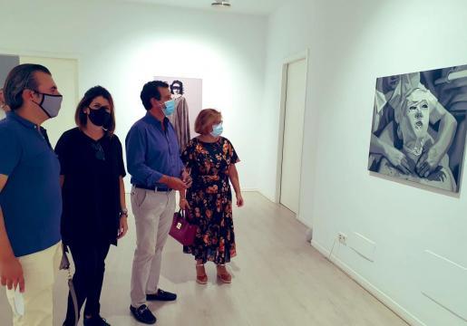 El presidente del PP balear, Biel Company, ha visitado espacios expositivos con motivo de la Nit de l'Art.