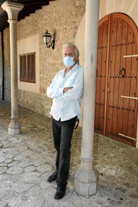 El protagonista de 'El método Kominsky', un vecino más de Valldemossa.