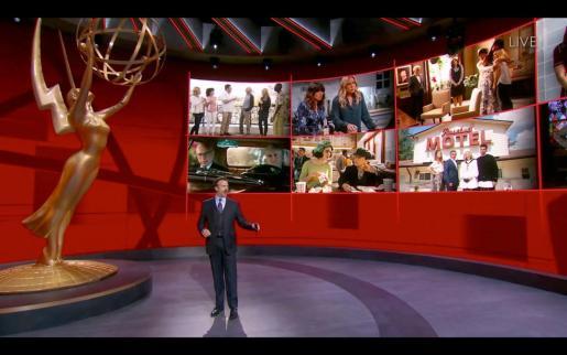 Momento de la atípica ceremonia de los 72 Premios Emmy, la noche de las producciones televisivas que triunfan en el momento.