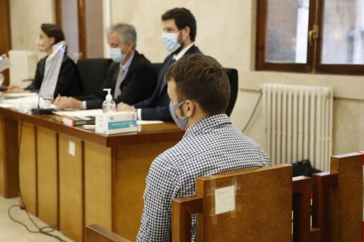 Richard P. H. Depret, durante el juicio.