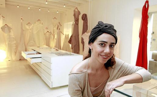Rosa Esteva afirma que «los acabados artesanales hacen que una prenda tenga alma».