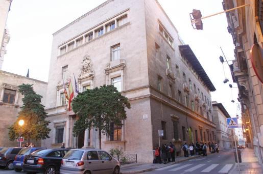 La asociación de madres y padres del Col·legi Sant Francesc, de Palma, realizó una encuesta en la que se dió un apoyo mayoritario a la jornada continua.