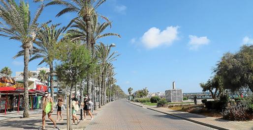Bruselas, ante los efectos impactantes de la COVID-19 en la industria turística europea, apuesta porque los países actualicen sus actuales modelos turísticos e implantar ayudas para la reconversión de las zonas maduras en todos los destinos vacacionales, caso de Baleares y Canarias.