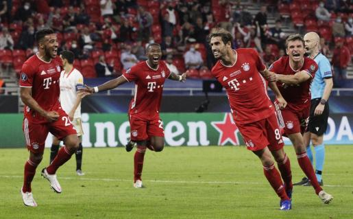 Los jugadores del Bayern celebrando uno de los goles ante el Sevilla.