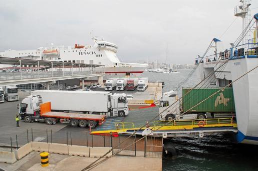 El movimiento de mercancías en el puerto de Palma es negativo desde marzo.