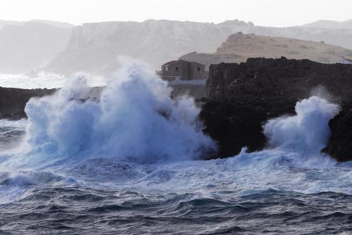 Mala mar en la zona del Arenal den Castell, en Es Mercadal (Menorca).