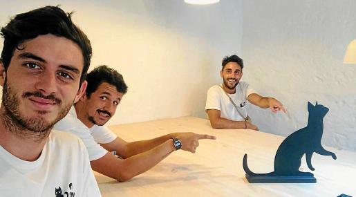 Ignasi Saura, Enrique Reig y Jorge Garcelán forman el equipo de Cototo Wifi, que pone solución a los problemas de Internet en Ciutadella.