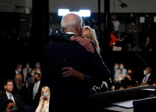 Joe Biden y su esposa Jill Biden.