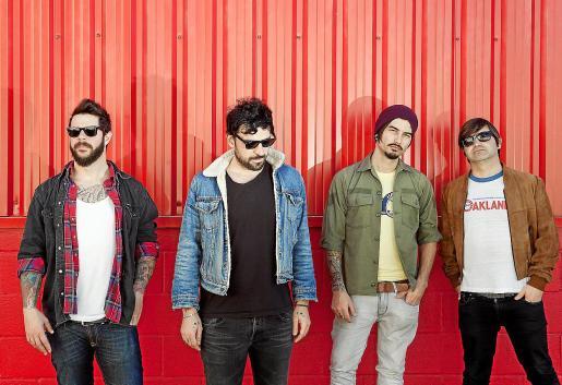 Imagen promocional de la popular banda mallorquina al completo hace unos años.