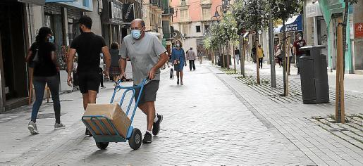 imagen de la calle Velázquez, que ahora es completamente peatonal.