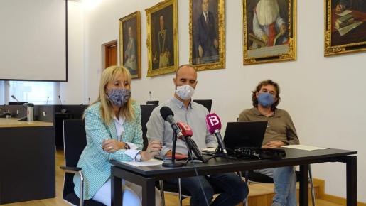 Rueda de prensa para arrojar luz sobre el nuevo acuerdo que consolida a Monserrat (PI) en la alcaldía.