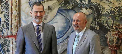La imagen es de 2017, cuando Miquel Ensenyat (entonces presidente del Consell y hoy diputado de Més) acudió a la audiencia de Felipe VI.