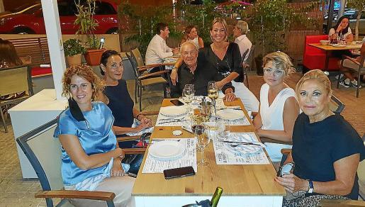 Eva Mulet, Neus Cortés, Pep Pinya, Susana Bellafont, Raquel Agüeros e Isabel Izquierdo.
