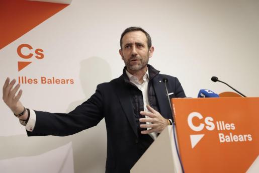 Imagen de archivo de José Ramón Bauzá durante una rueda de prensa.
