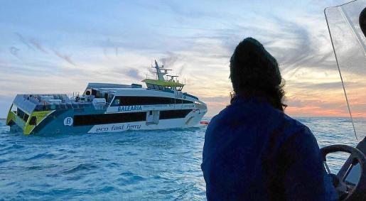 El barco 'Eco Lux' de Baleària quedó varado en el islote de Castaví, cerca de s'Espalmador.