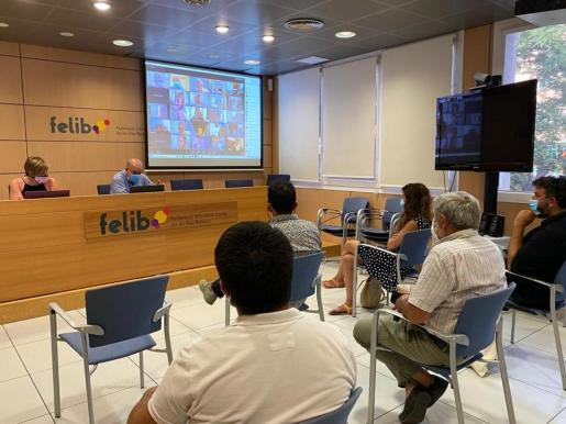 Reunión de la FELIB, que lleva meses negociando con Interior una salida a la carencia de policías locales.
