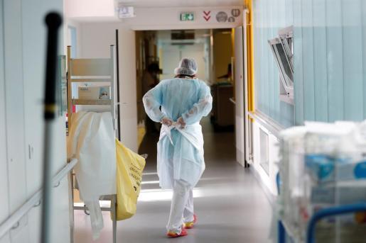 Imagen de un sanitario, en un centro hospitalario.