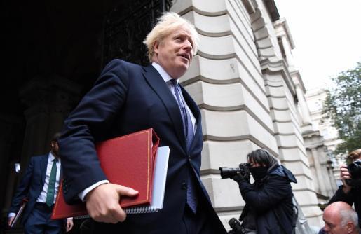 El primer ministro británico, Boris Johnson, anunció una nueva escala para establecer restricciones frente al coronavirus en Inglaterra.