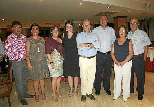 Lorenzo Escoto, Teresa y Joana Adillón, Mencía de Lenus, Ramón Adillón, Federico Sbert, Francisca Sastre y Jaime Adillón.