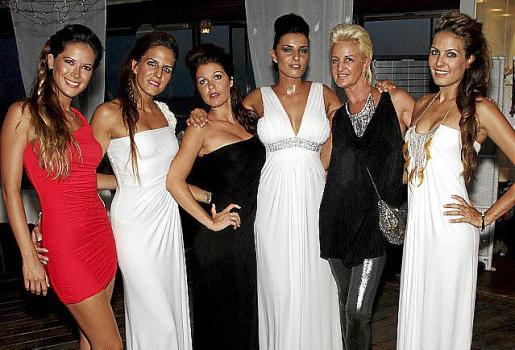 Diana Riberos, Vanesa Vaquero, Maika Moreno, Verónica Poyatos, Yvonne Rohé y Verónica Vaquero.