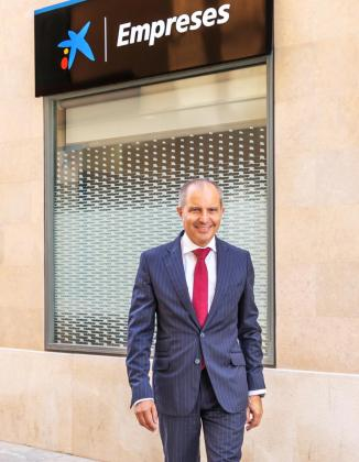 Juan asegura que ha crecido el número de directivas en la entidad, un 43% en Balears. Junto con Microsoft Ibérica y a través de WONNOW, CaixaBank premia la excelencia de las universitarias.