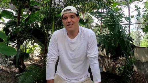 Frank Cuesta parece estar centrado en sus refugios y en compartir sus vivencias en su canal de YouTube.