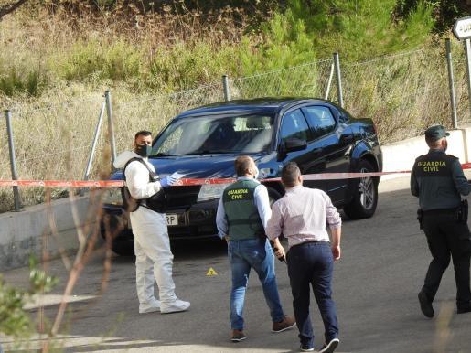Las víctimas aparecieron en el interior del vehículo.