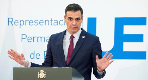 El presidente del Gobierno español, Pedro Sánchez, da una rueda de prensa en el ámbito de la segunda jornada de la cumbre de los jefes de Estado y Gobierno de la Unión Europea.