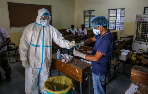 India acumula 7,43 millones de personas contagiadas y 112.998 víctimas mortales.