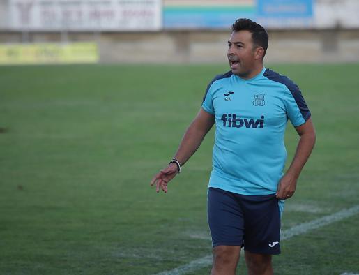 Óscar Troya, entrenador del Poblense.