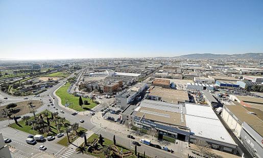 Vista aérea del polígono de Son Castelló, donde hay varias naves a la venta.