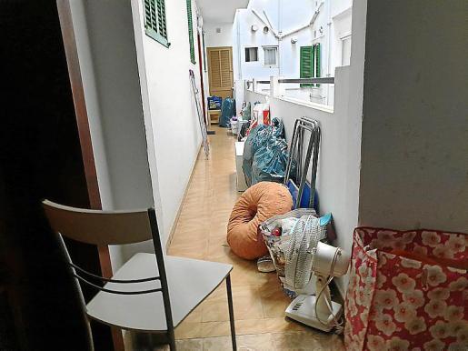 Cuando llegó la Policía Local de Palma, los funcionarios comprobaron que se trataba de personas que carecían de documentación del inmueble al que querían acceder.