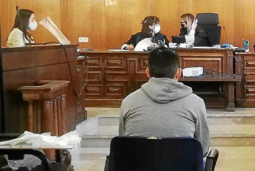 El procesado, este lunes, antes de iniciarse la vista oral en la Audiencia de Palma.