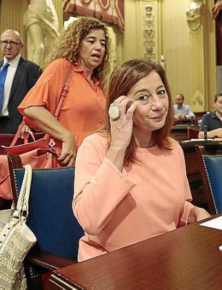 La presidenta del Govern, en el Parlament.