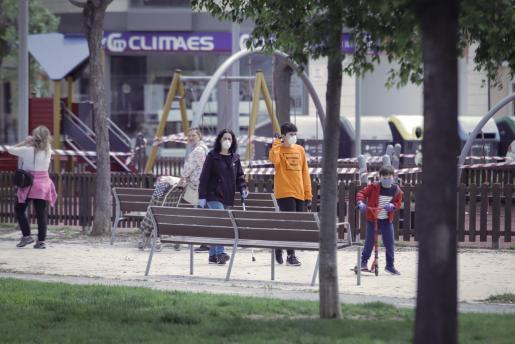 El Govern apuesta por otras medidas, como el cierre de los parques, para frenar los contagios.