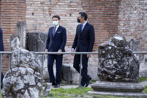 Giuseppe Conte y Pedro Sánchez.