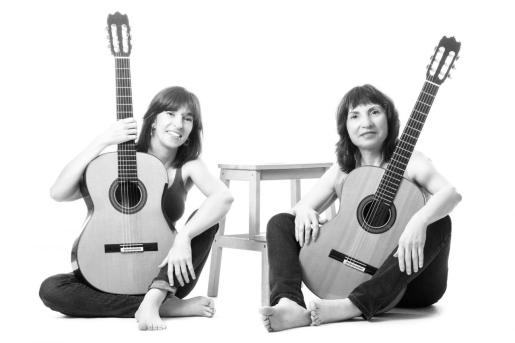 Pilar Rius Fortea y Avelina Vidal Seara forman el Dúo Arcadia.
