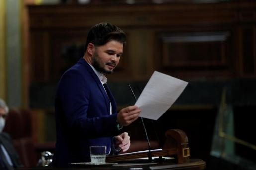El portavoz de ERC en el Congreso, Gabriel Rufián, interviene este miércoles en el Congreso durante el debate de la moción de censura propuesta por VOX.