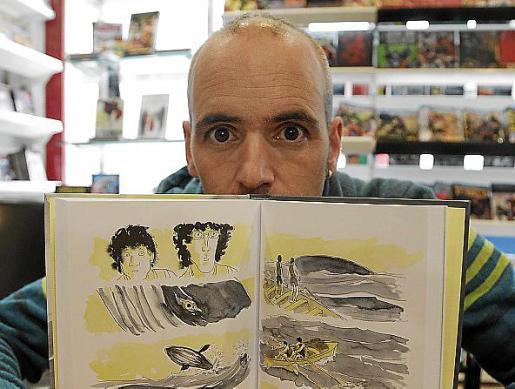 """El dibujante Javier de Isusi , ayer en Norma Còmics, con la novela gráfica """"He visto ballenas"""""""