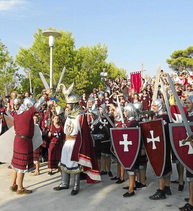 La llegada de las tropas cristianas ante la cruz de Santa Ponça.