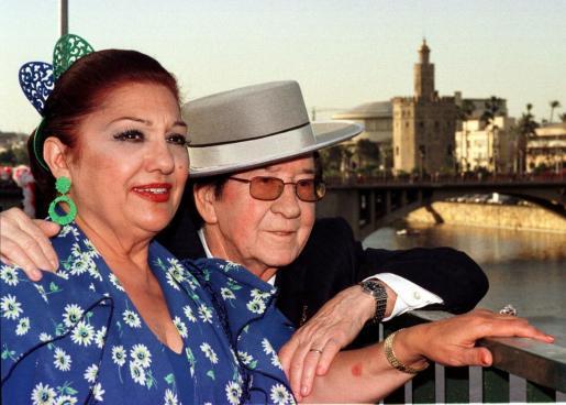 Dolores Abril junto al que fue su marido, Juanito Valderrama.