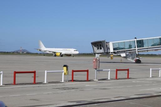 La mujer se negó a utilizar la mascarilla en un vuelo que cubría la ruta Menorca-Barcelona.