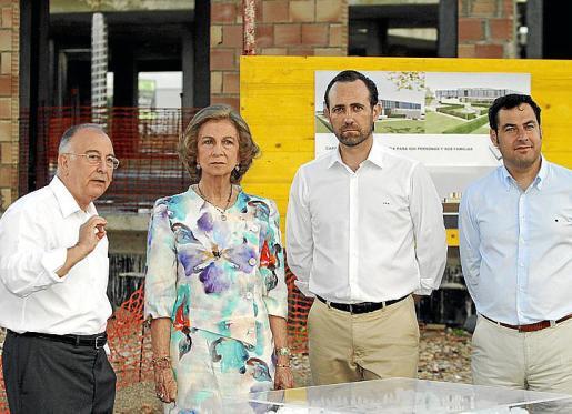 Pau Català, la reina Sofía, José Ramón Bauzá y Juan Manuel Moreno.