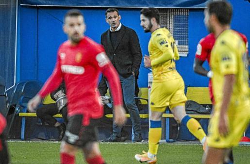 Luis García Plaza, técnico del Mallorca, durante el partido disputado en Alcorcón.