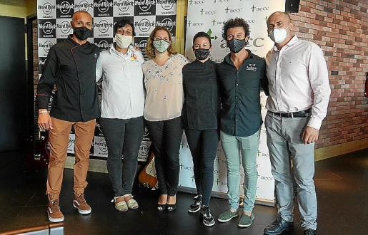Rafael Sánchez, Maria Salinas, Ana Belén Velasco, Vicky Pulgarín, Dani Celis, Lulzim Puci, organizadores y chefs Pinktober.