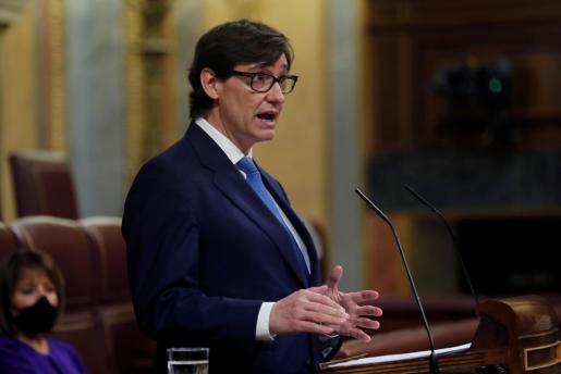 El ministro de Sanidad, Salvador Illa, interviene durante la sesión de control al Ejecutivo este miércoles en el Congreso.