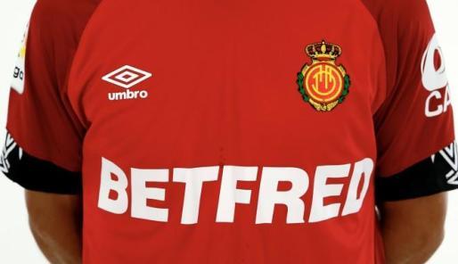 El RCD Mallorca firmó la temporada pasada un contrato de patrocinio con la casa de apuestas Betfred.