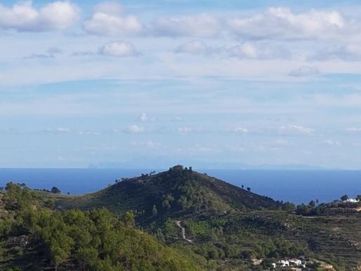 Silueta de Mallorca desde Ibiza.