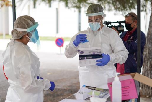 Ibiza está realizando pruebas para frenar los contagios.