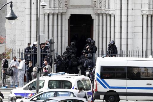 El ataque con cuchillo se perpetró en una iglesia de la ciudad francesa de Niza.